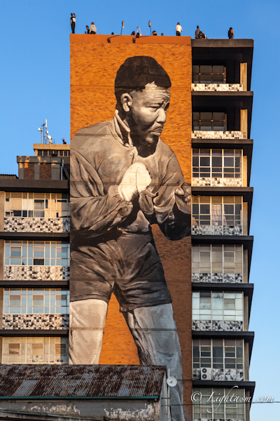 Nelson Mandela shadow boxing mural